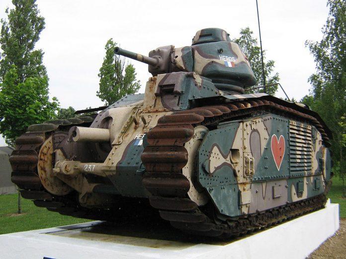 De Char B1 is een zware Franse tank uit het Interbellum.